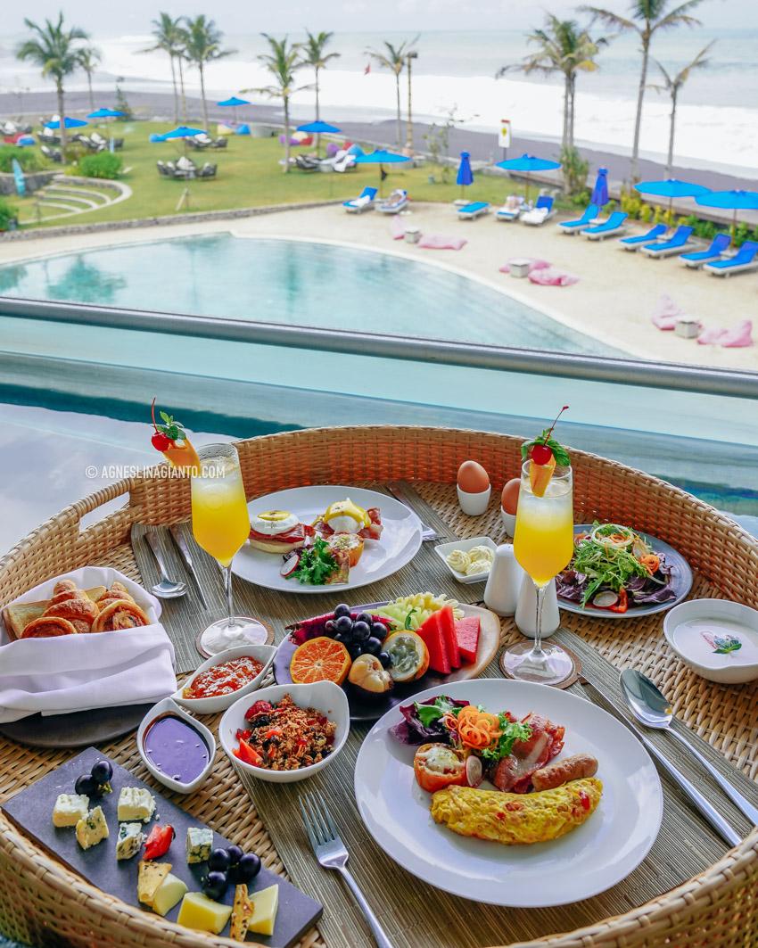 Hotel MAMANYA NAGITA SLAVINA Bali Floating Breakfast